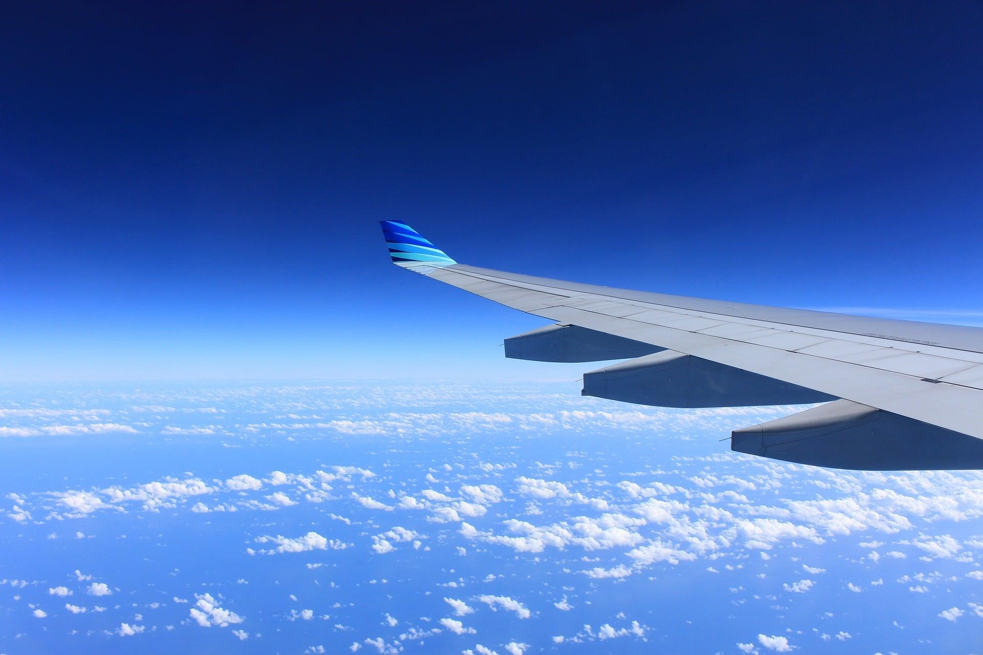 Trouver un vol et un hôtel compris à Santorin