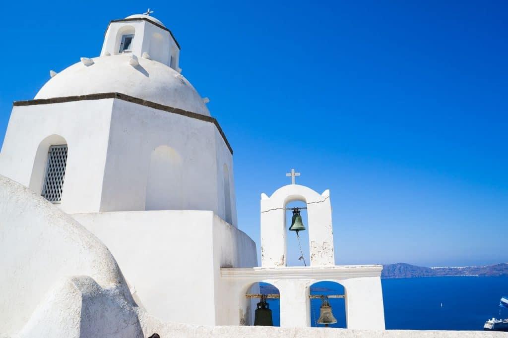 Admirer les églises de Santorin