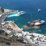 Le principal port de Santorin : le port d'Athinios