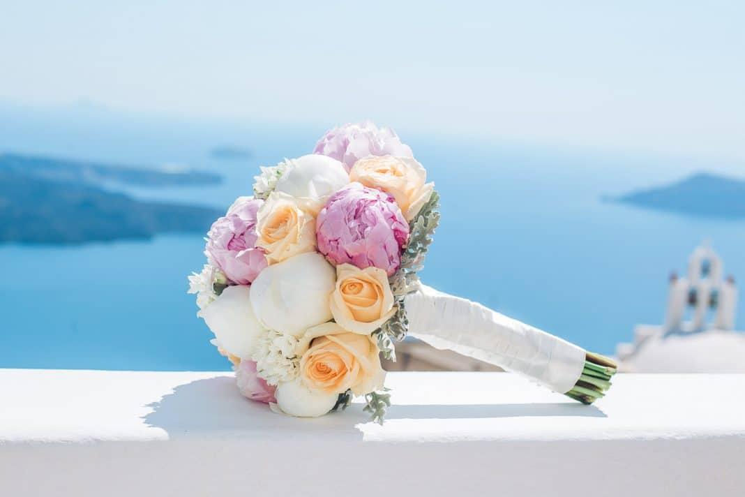 Se marier à Santorin : comment faire ?